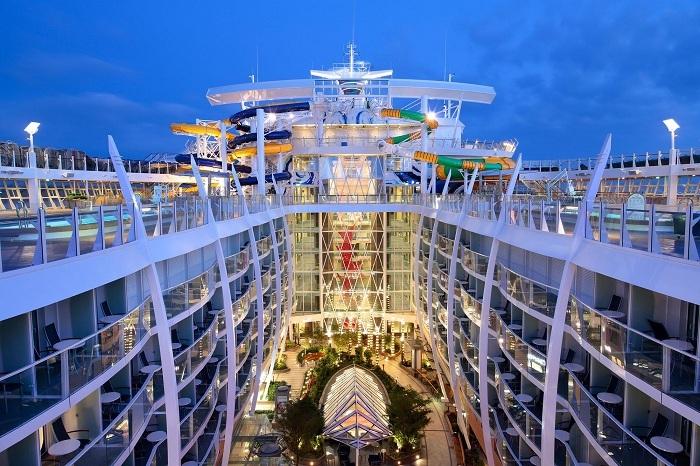 Amazing Cruise Ships 1