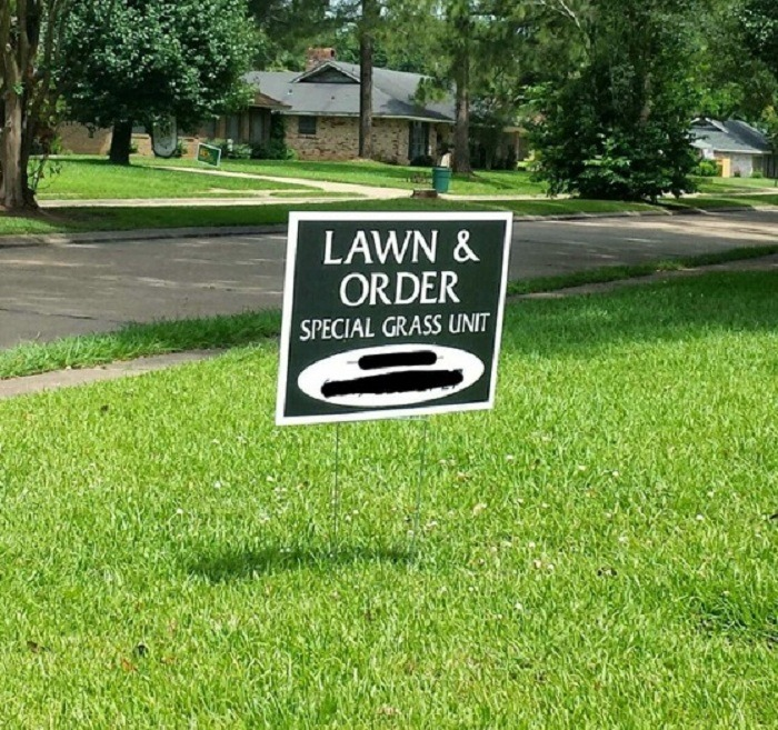 Lawn Signs 37