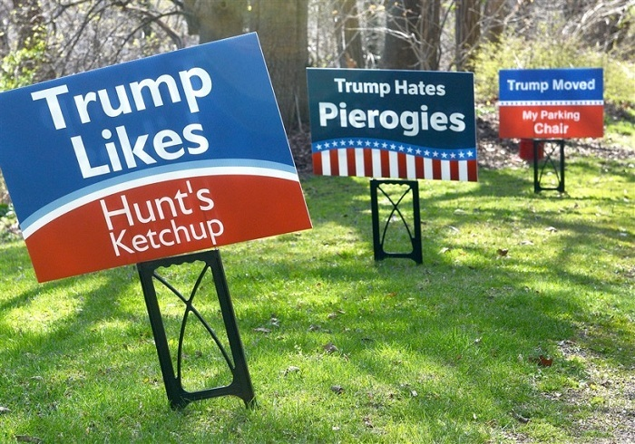 Lawn Signs 43